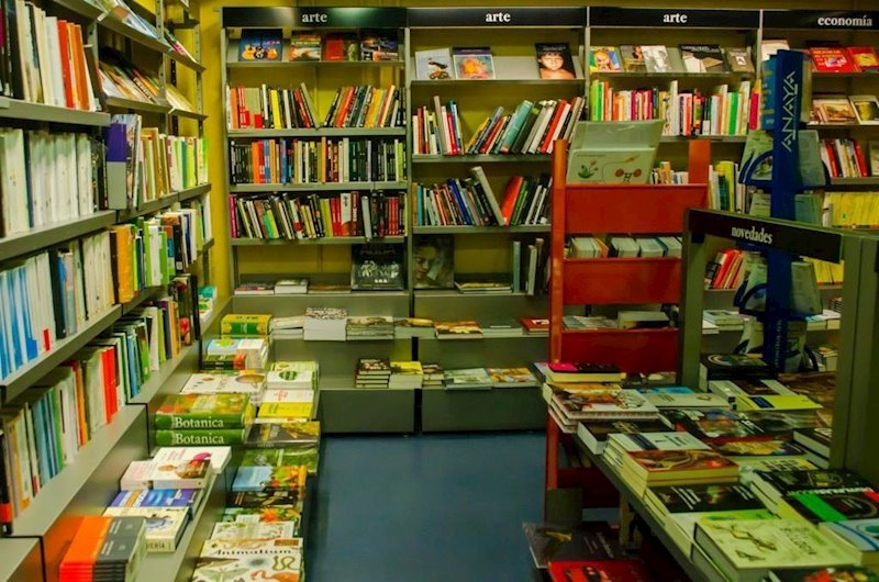 https://img3.s3wfg.com/web/img/images_uploaded/0/3/ep_libros_libreria.jpg