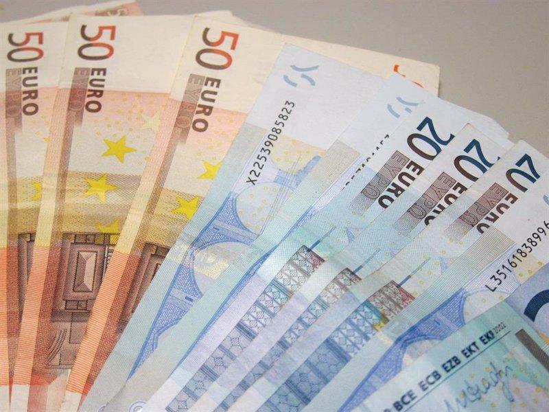 https://img3.s3wfg.com/web/img/images_uploaded/0/a/ep_archivo_-_billetes_de_euro_dinero_pib.jpg
