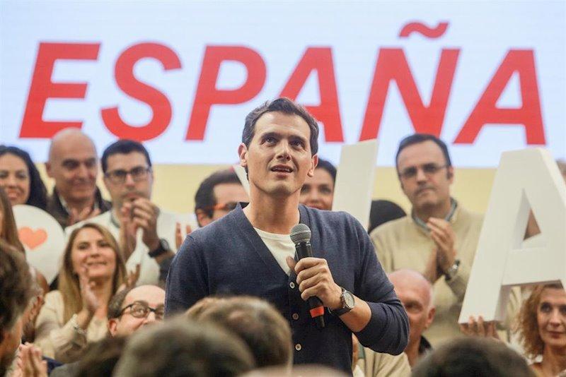 https://img3.s3wfg.com/web/img/images_uploaded/2/d/ep_el_presidente_de_ciudadanos_albert_rivera_durante_un_acto_electoral_en_la_sede_nacional_del.jpg