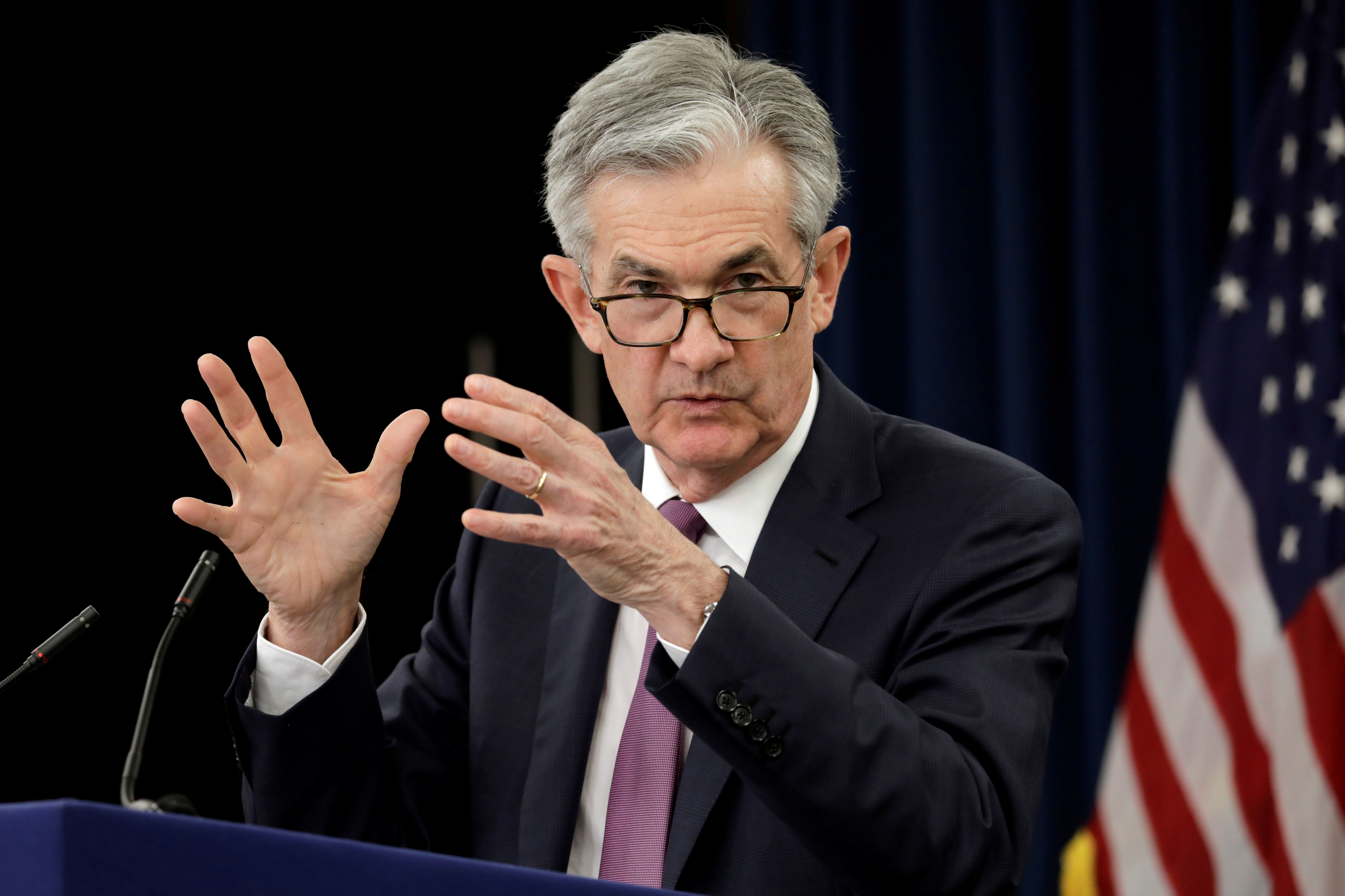 la-fed-reagira-de-facon-adaptee-aux-divers-risques-dit-powell