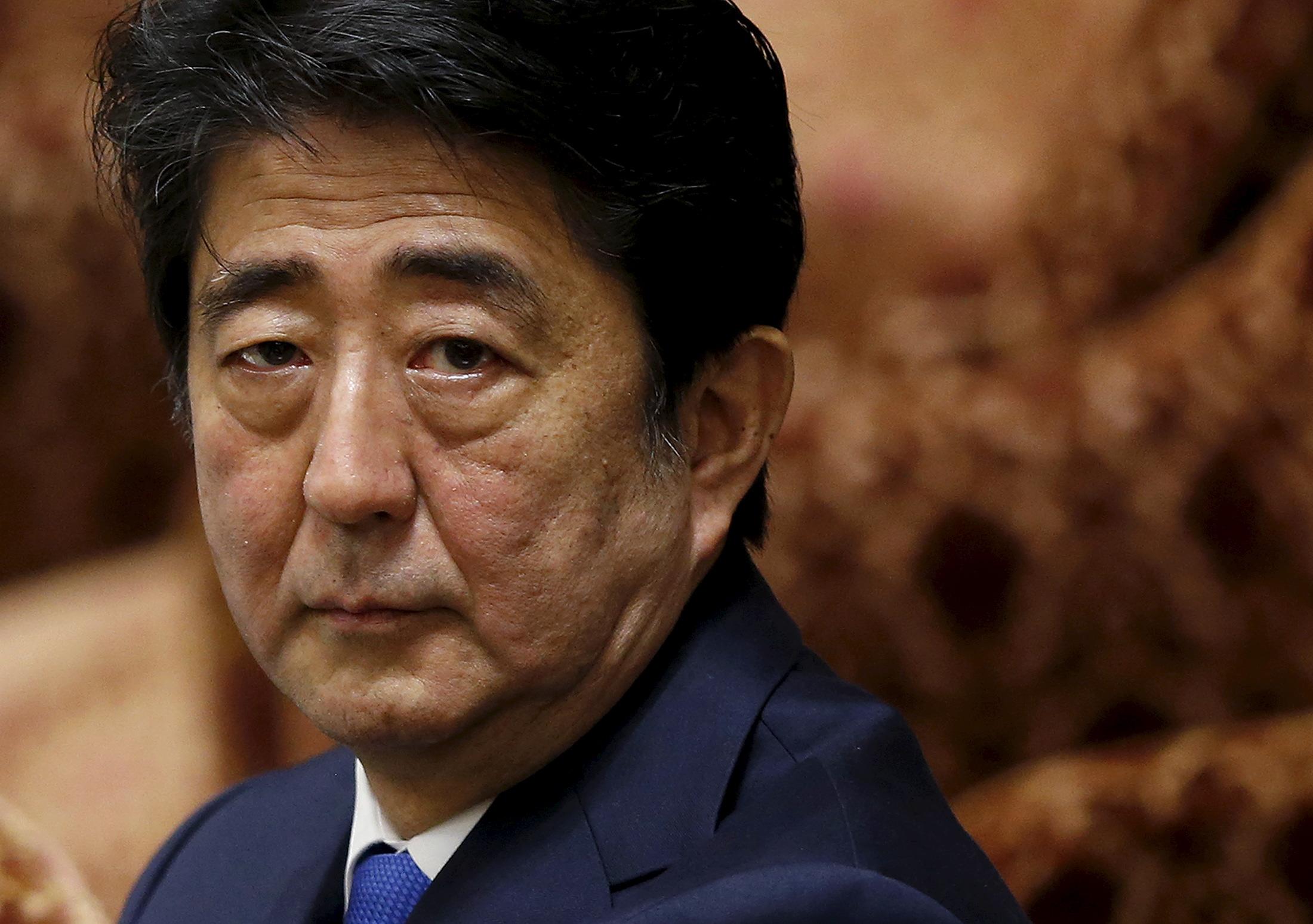 shinzo-abe-renouvelle-sa-promesse-d-un-japon-sans-armes-nucleaires