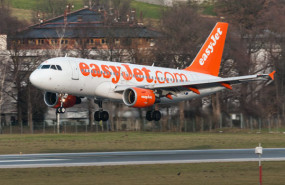 dl easyjet easy jet airline aircraft plane travel pd