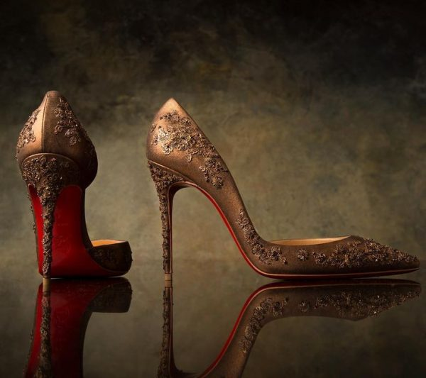 8c79798185dd63a4264fb921757ef550-india-fashion-louboutin-shoes-e1508754096365