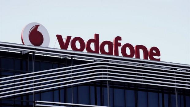 ep archivo   logo de vodafone en el edificio de la compania telefonica en madrid situada en avenida