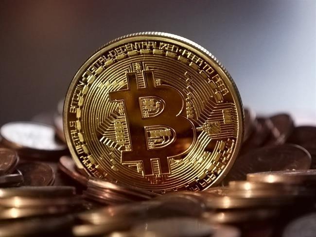 El Bitcoin se desploma a mínimos de 2017 y se arriesga a perder la mitad de su valor