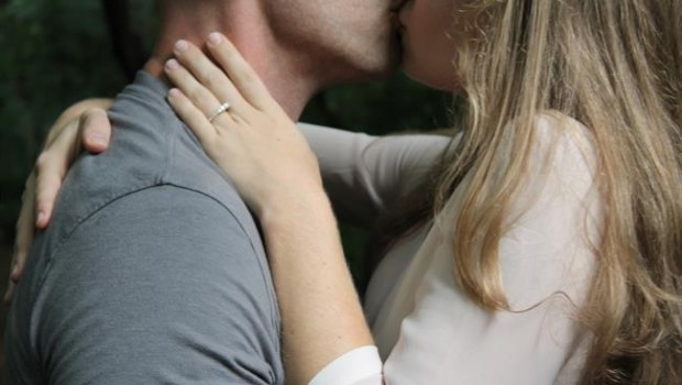 ep pareja beso sexo adolescentes besandose