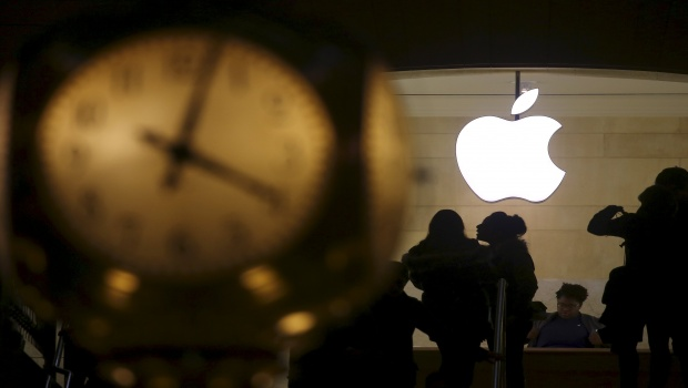 Apple supera el billón de dólares de valor en Bolsa