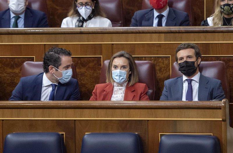 https://img3.s3wfg.com/web/img/images_uploaded/5/e/ep_i-d_el_secretario_general_del_partido_popular_teodoro_garcia_egea_la_portavoz_del_pp_en_el_20210525080406.jpg
