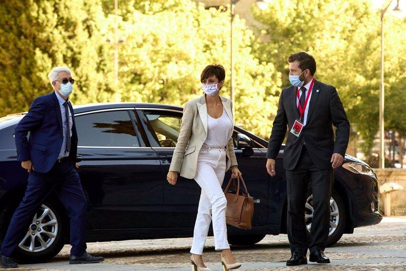 https://img3.s3wfg.com/web/img/images_uploaded/5/e/ep_la_ministra_de_politica_territorial_isabel_rodriguez_a_su_llegada_a_la_plaza_mayor_de_salamanca.jpg