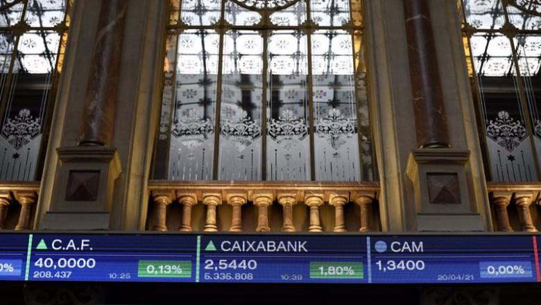 ep valores del ibex 35 en un panel del palacio de la bolsa