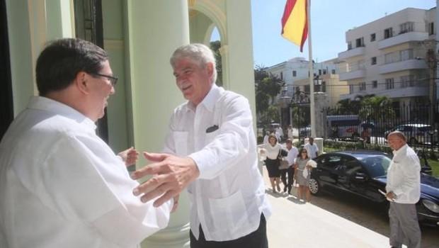 ep ministro alfonso dastis recibidocanciller cubano bruno rodriguez