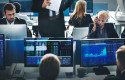 inversion-trader-inversor-bolsa-ordenador-oficina