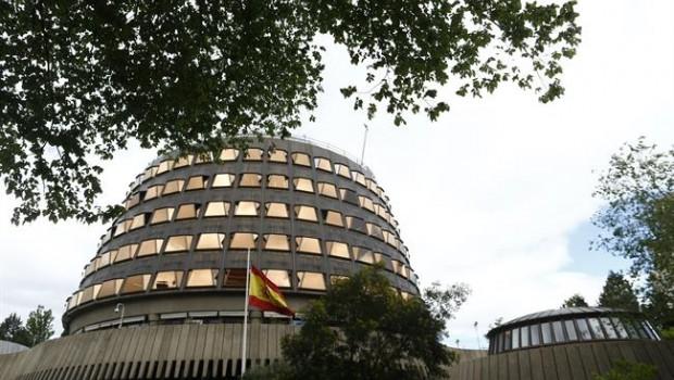 ep la banderaespana ondeatribunal constitucional
