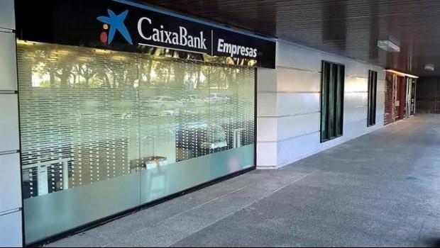 Econom a norbolsa eleva el precio objetivo de caixabank for Oficinas caixabank madrid