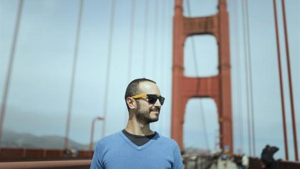 ep usa san francisco tourist on golden gate bridge