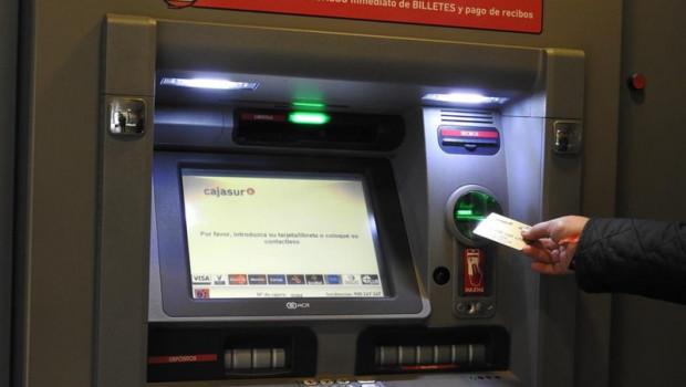 ep cajasur sigue renovandocajeros automaticossustituye 160 terminalesd