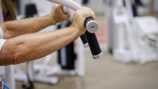 como bajo de peso sin perder masa muscular