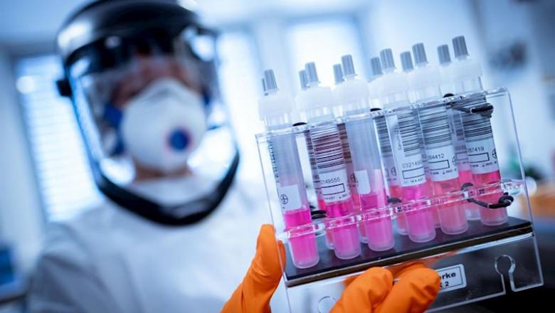 ep_imagen_de_recurso_de_trabajadores_de_laboratorio_en_busca_de_una_vacuna_contra_el_coronavirus_780