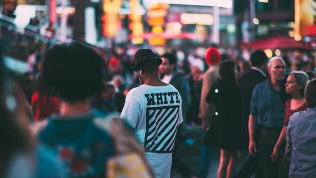 gente-calle-compras