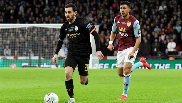 ep bernardo silva conduce la pelota en un aston villa-manchester city de la premier league 2019-2020
