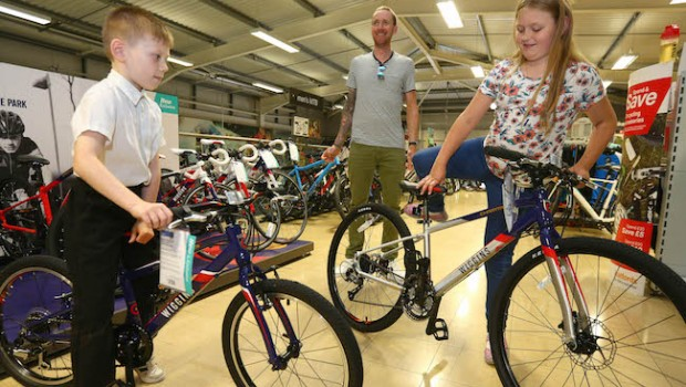 bradley wiggins halfords cycling