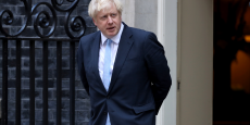 boris-johnson-dement-avoir-menti-a-la-reine