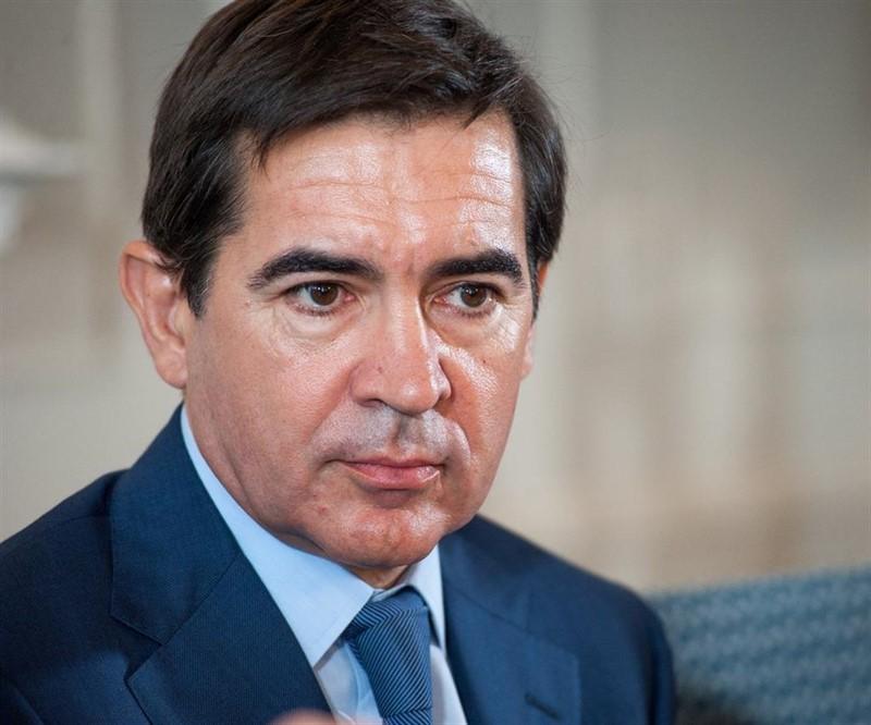 https://img3.s3wfg.com/web/img/images_uploaded/b/9/ep_presidentebbva_carlos_torres_vila_durantecursola_apiela_uimpsantander_20190712101105.jpg