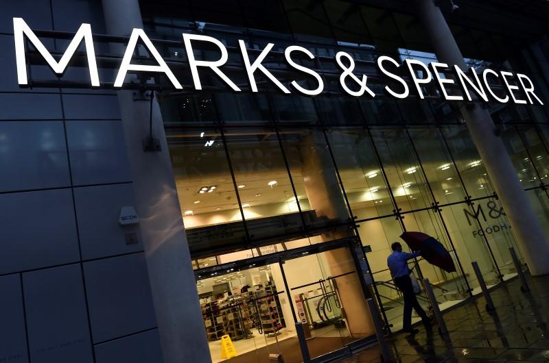 525-postes-supprimes-au-siege-londonien-de-marks-spencer