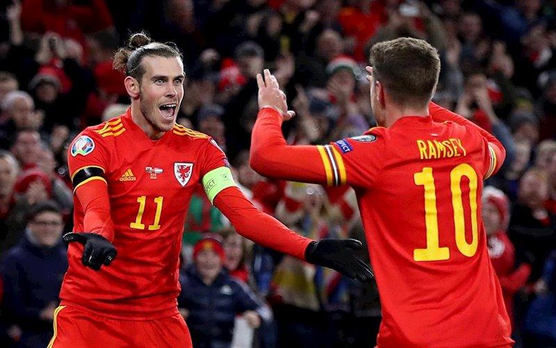 ep aaron ramsey y gareth bale celebran la clasificacion de gales a la eurocopa 2020