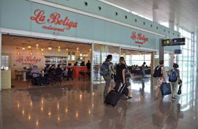 ep archivo - restaurant la botiga en el aeroport de barcelona en una imagen anterior a la pandemia