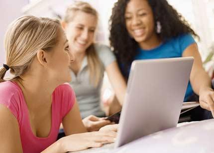 jovenes, redes sociales, ordenador