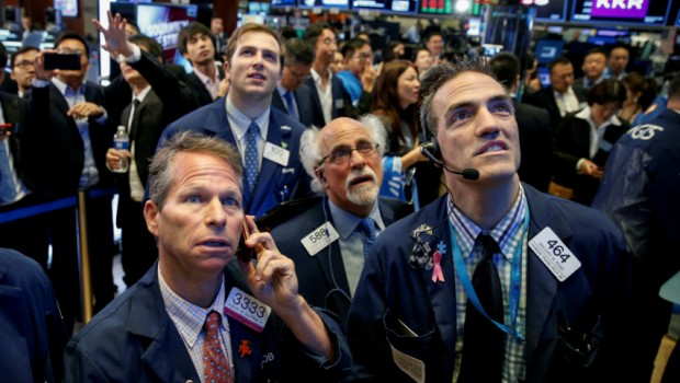 traders-preocupados-wall-street