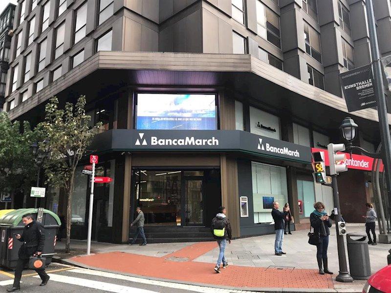 ep nuevo centro de negocio de banca marcha en la plaza moyua de bilbao
