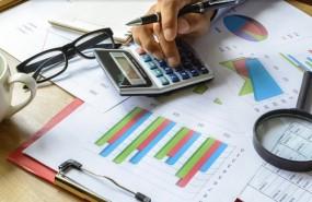 negocio calculadora lupa cuentas grafico